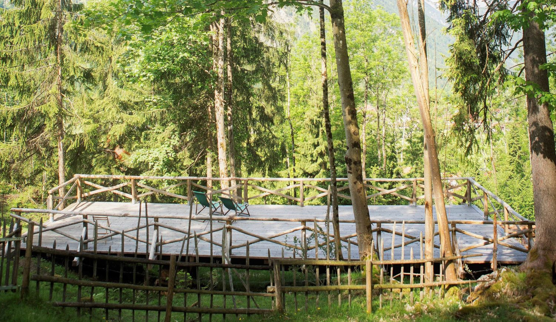 Rückzugsort mitten im Wald: das Sonnendeck