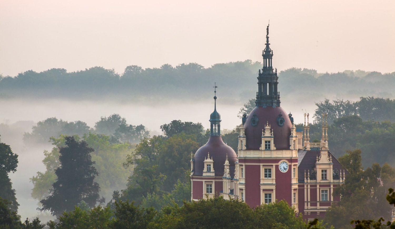 Wahrzeichen im Fürst-Pückler-Park ist das Schloss Muskau © Rene Pech