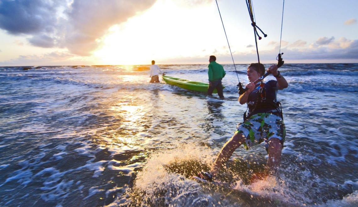 Action pur – Kitesurfen auf der Nordsee, hier vor Baltrum © Kurverwaltung Baltrum - Roman Mensing