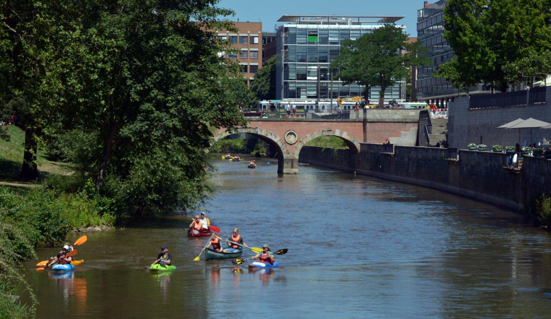 Vom Kanu aus erlebt man Städte ganz neu, hier in Hannover © fra - stock.adobe.com
