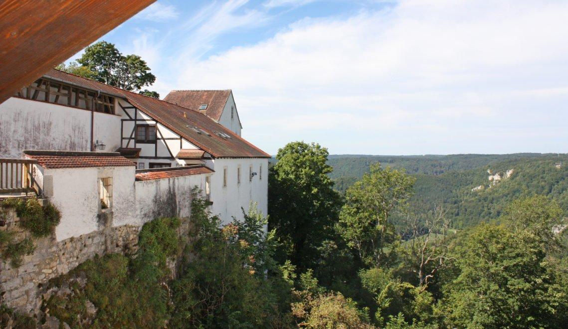 Eine phänomenale Aussicht auf das Donautal gibt es von Burg Wildenstein