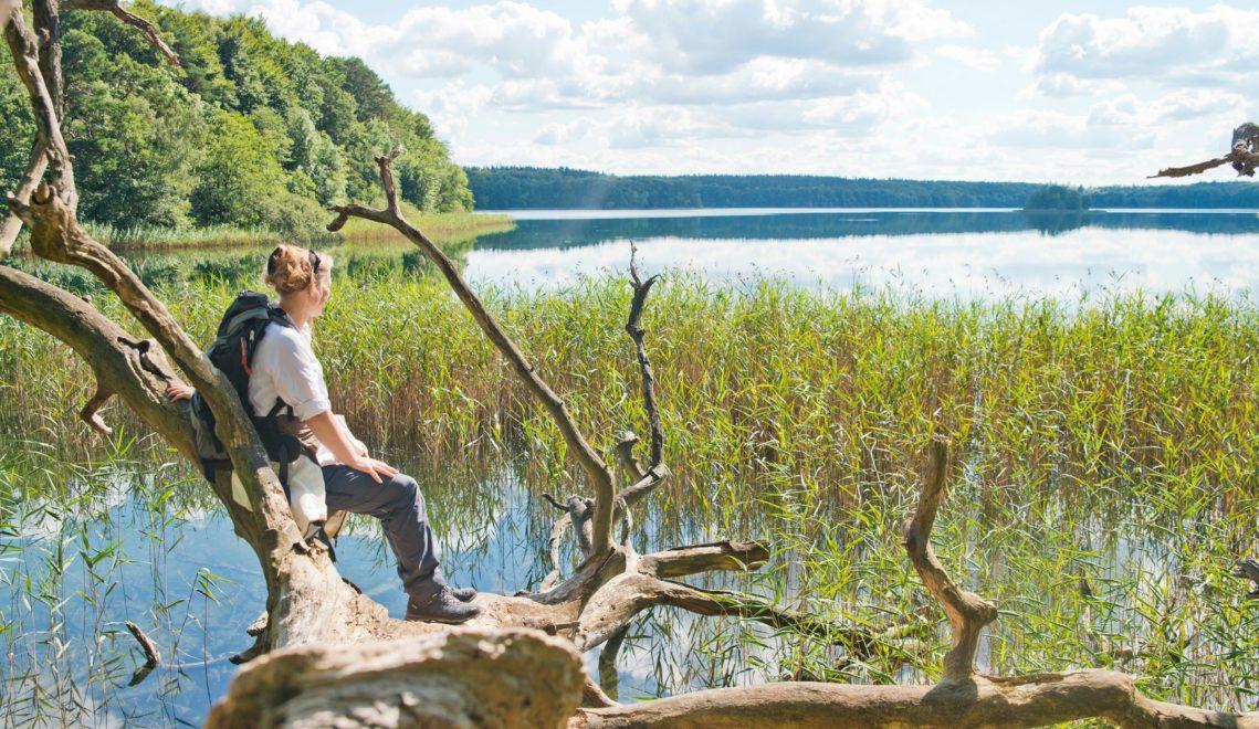 Innehalten mit Ausblick an der Mecklenburgischen Kleinseenplatte © Christin Drühl