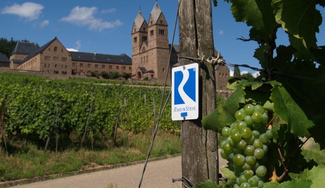 Auf dem Rheinsteig lässt sich die Region entspannt und genussvoller erwandern © HA Hessen Tourismus