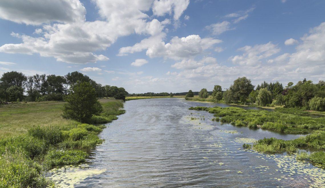 Weite und Ruhe – wer beides sucht, wird in der Binnenlandschaft des Flusses schnell fündig © TMB-Fotoarchiv/Steffen Lehmann
