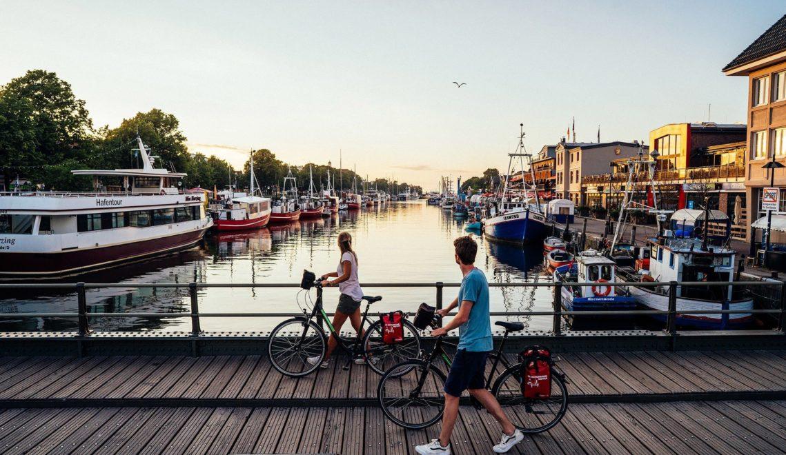 In der Abendsonne das maritime Flair genießen © TMV/Gänsicke
