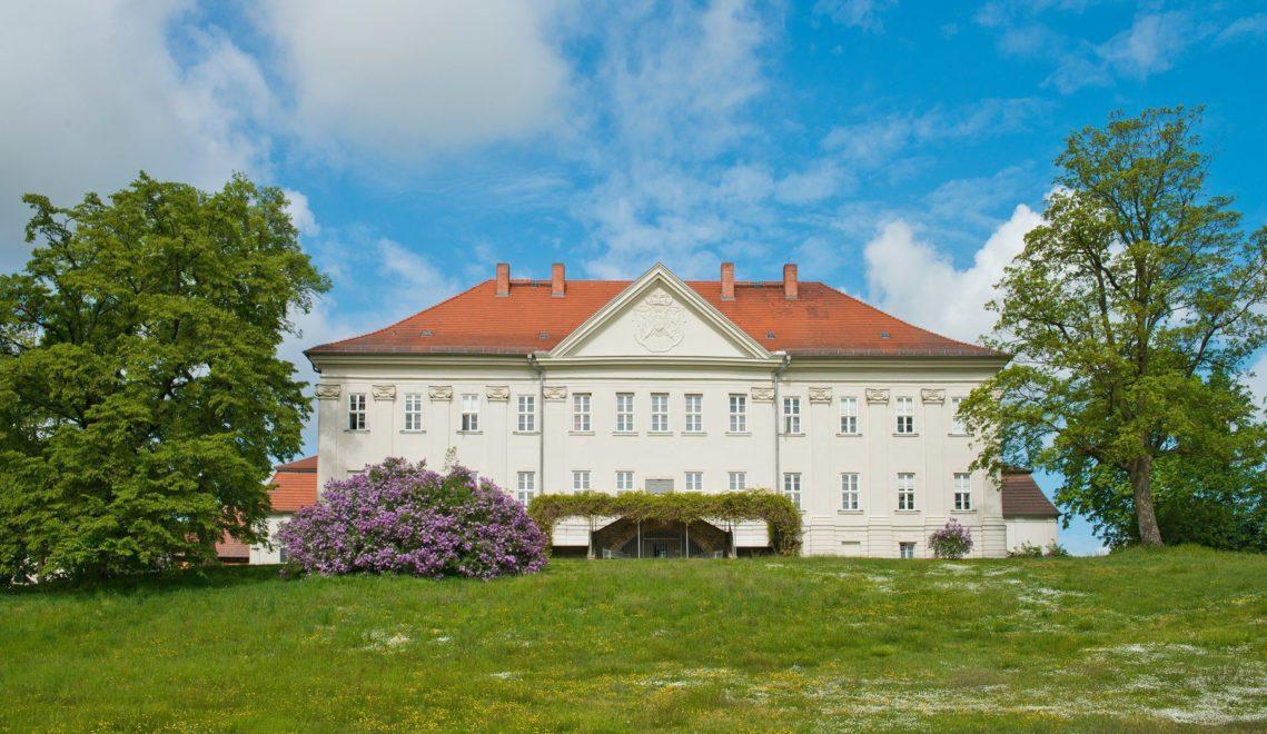 Rund um Schloss Hohenzieritz findet ihr Norddeutschlands ältesten Landschaftspark © Christin Druehl