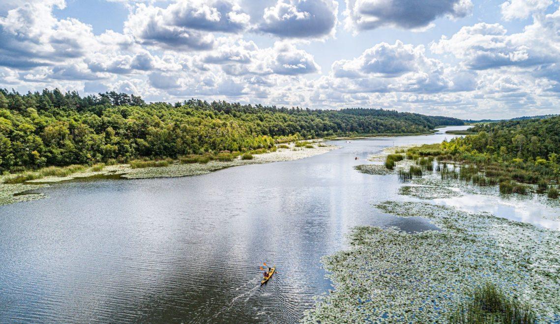 Auch Tagestouren mit dem Paddelboot sind auf der Mecklenburgischen Seenplatte möglich © Sebastian Krauleidis