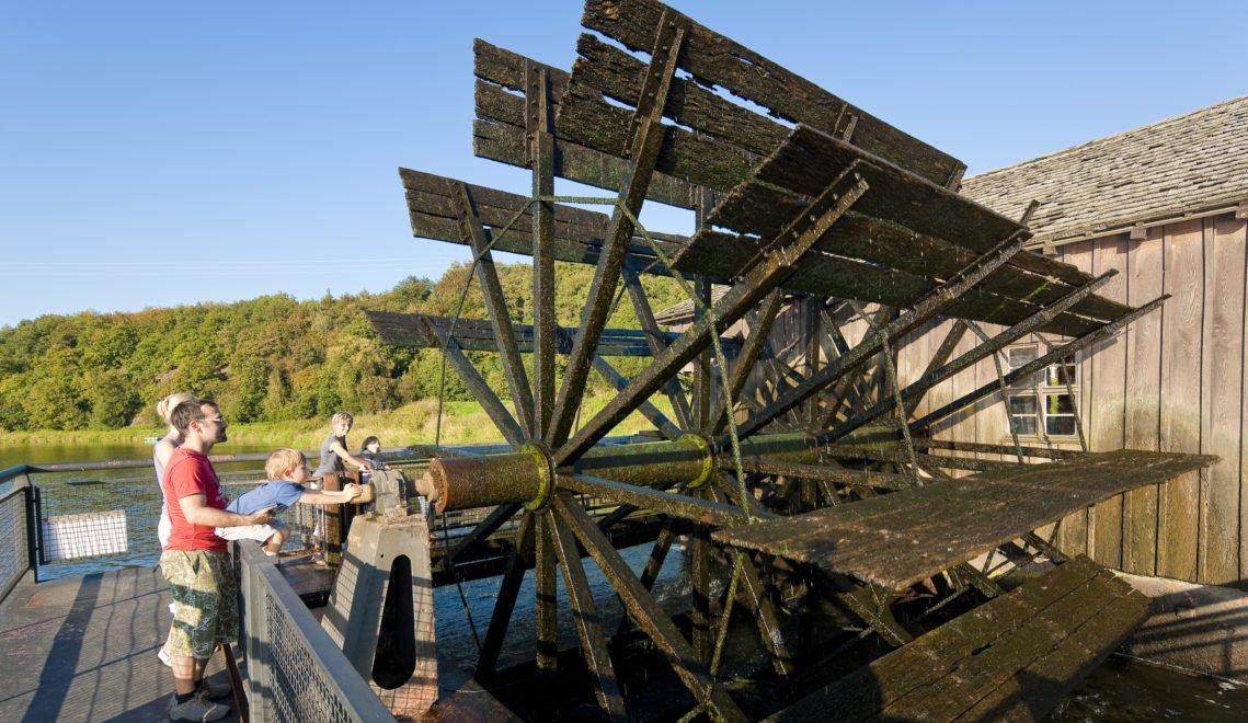 Einst sicherten Schiffmühlen die Versorgung mit Mehl © Sylvio Dittrich