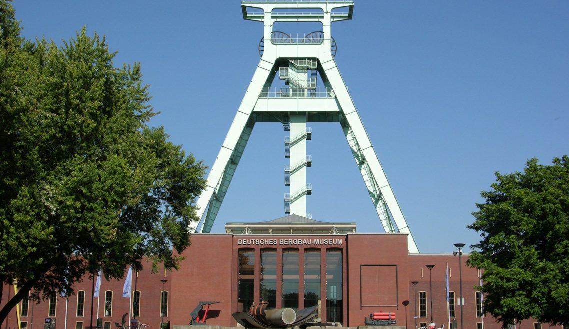 Im Deutschen Bergbaumuseum kann man sich auf die Spuren des Reviers begeben – und in ein Besucherbergwerk absteigen © Ruhr Tourismus, Jochen Schlutius