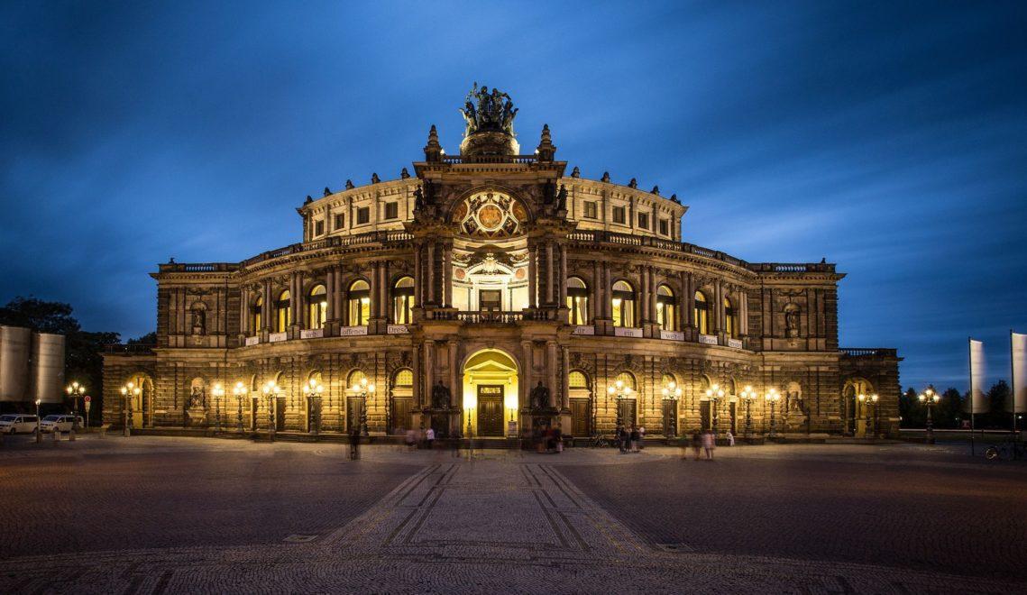 Zählt zu den besten Häusern der Welt: die Dresdner Semperoper © Sebastian Rose