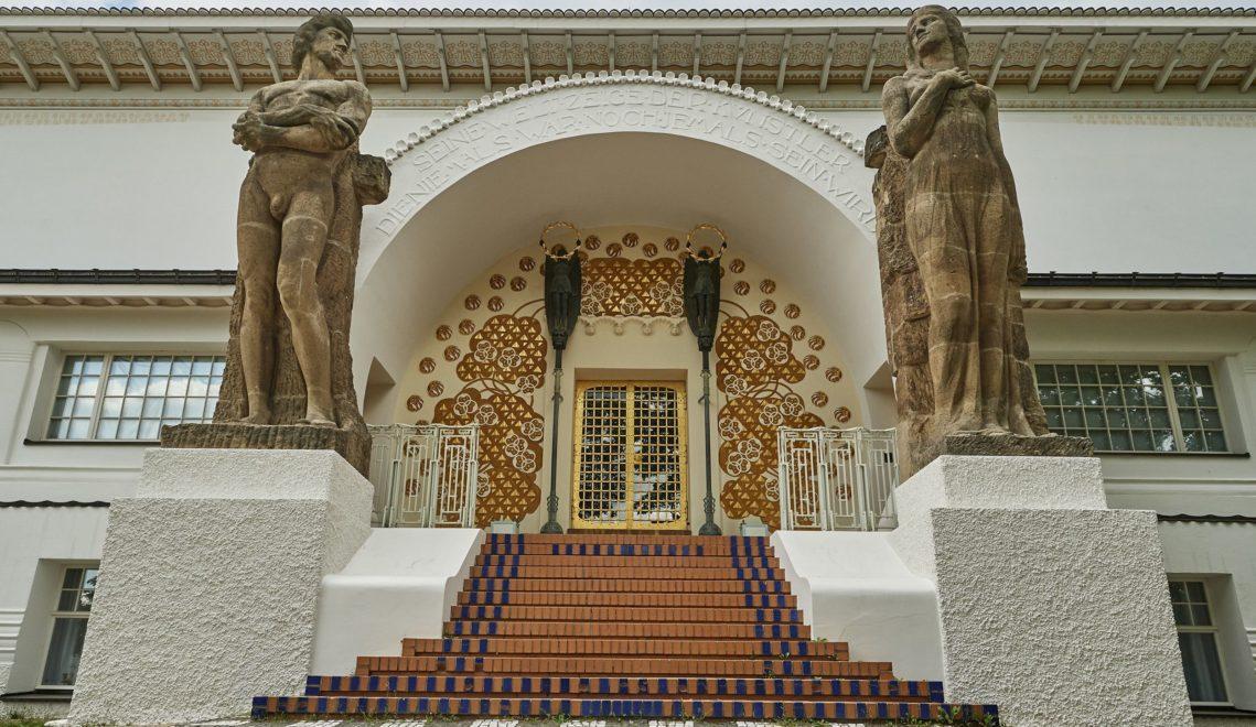 Auch Jugendstilbauten haben ihren Platz auf der Mathildenhöhe © floriantrykowski.com