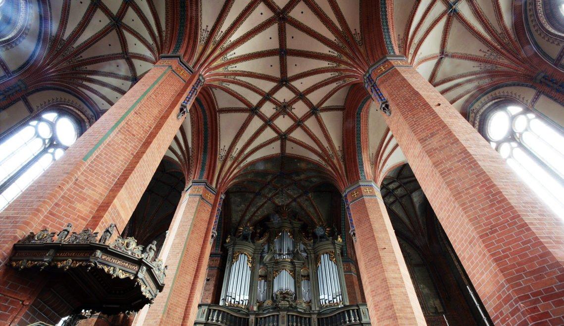 Die Pfarrkirche St.Marien von Innen