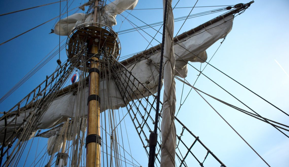 Im Flensburger Museumshafen kann man traditionelle Segelschiffe besichtigen © Jens König