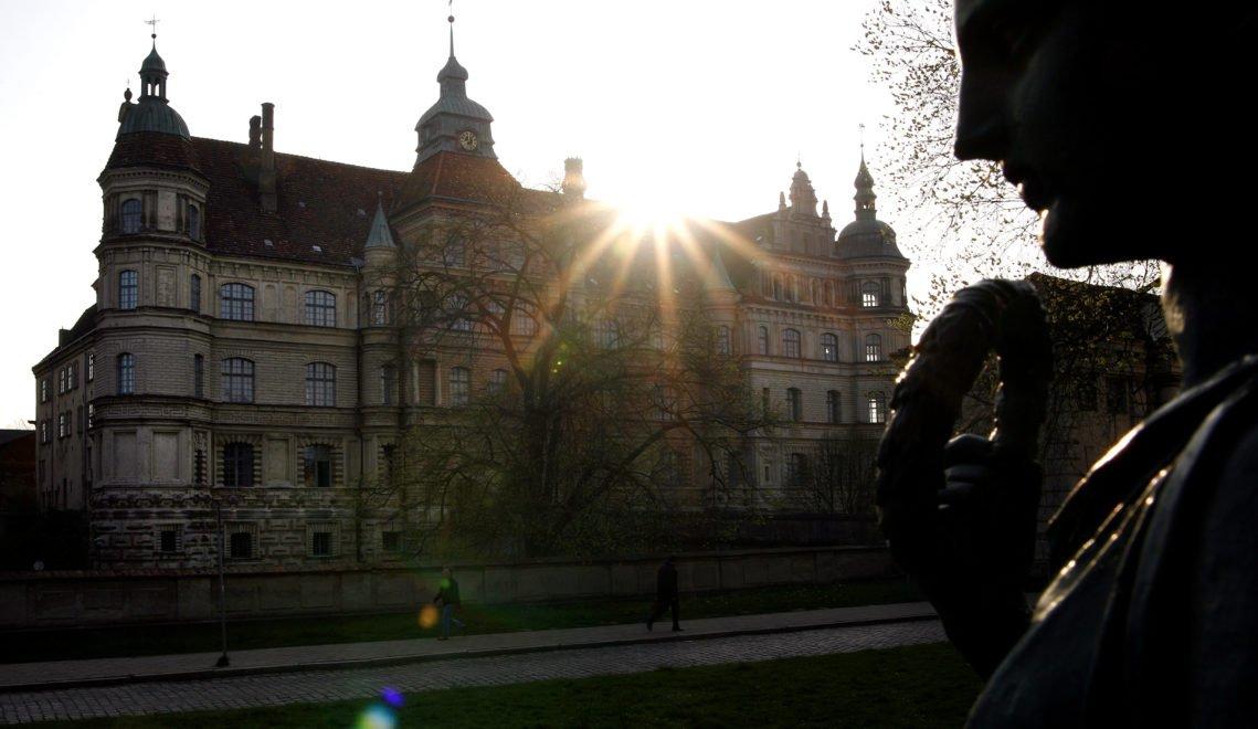 Schloss Güstrow vom Franz-Parr-Platz © Andre Hamann