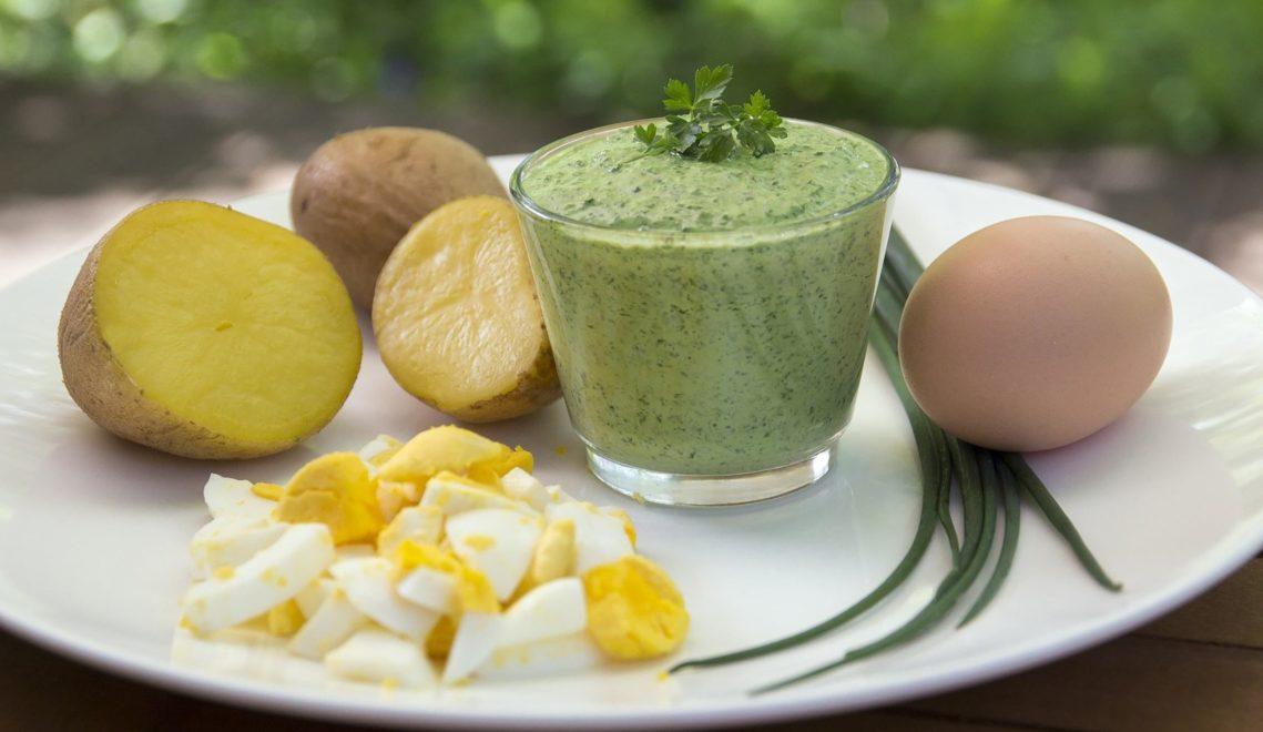 Serviert wird die Spezialität gerne zu Pellkartoffeln und Eiern © pixabay.com
