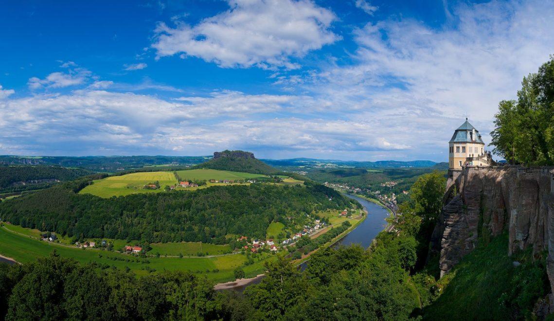 Eine weite Aussicht über das Tal der Elbe habt ihr von Festung Königstein aus © Sylvio Dittrich