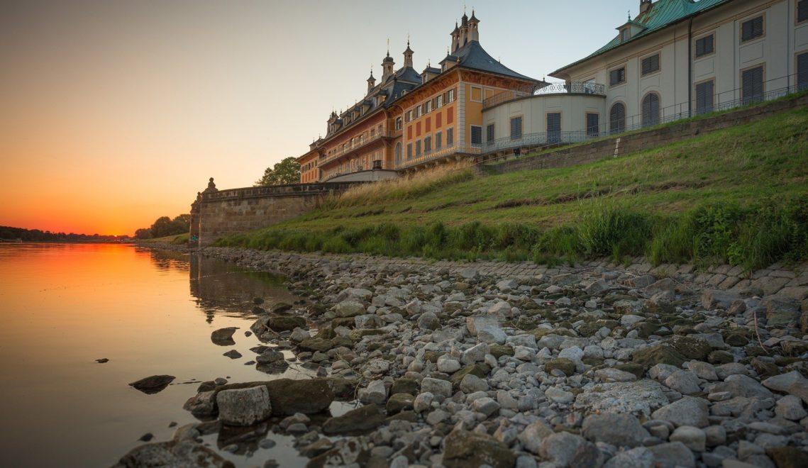 Das Wasserpalais von Schloss Pillnitz liegt direkt an der Elbe © TGMS/Sebastian Rose