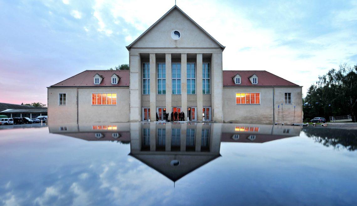 Künstler wie Franz Kafka, Oskar Kokoschka und Henry van de Velde besuchten das 1911 eröffnete Festspielhaus Hellerau © Kristin Schmidt