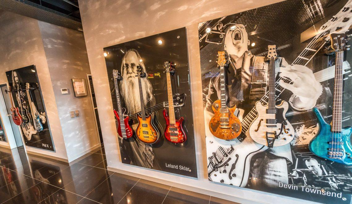 Spannende Einblicke in den Bau von Musikinstrumenten bekommt ihr bei Framus im Vogtländischen Musikwinkel © TGMS / Achim Meurer, https://achimmeurer.com
