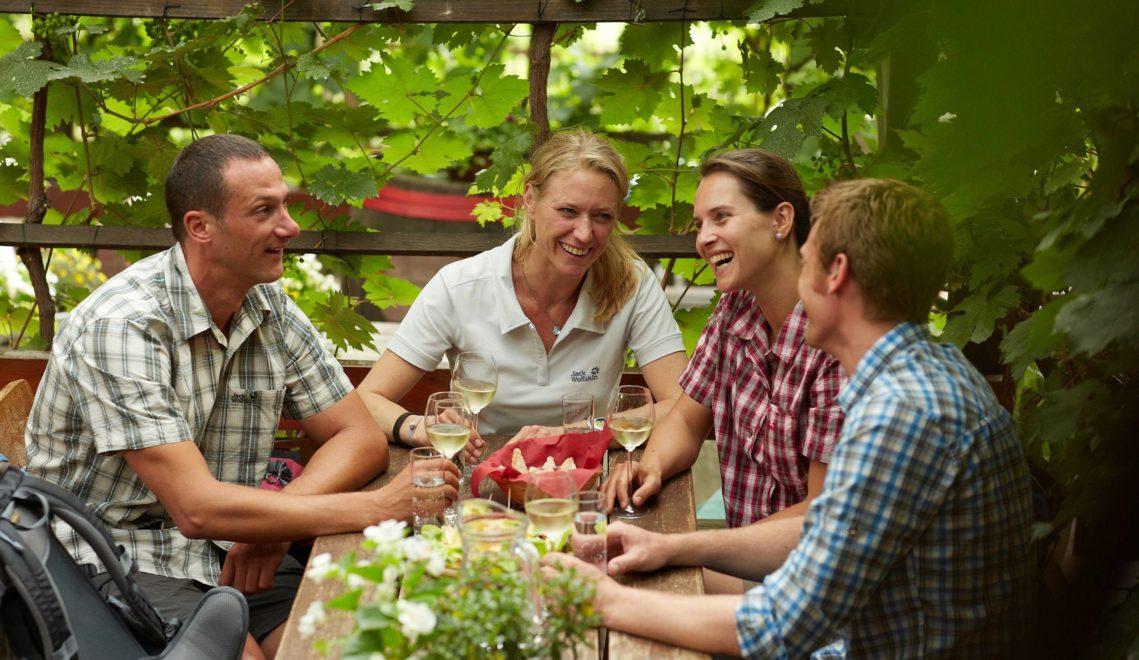 Besondere Empfehlung: Genießt ein Gläschen in der Weinlounge von Radebeul © Intention Marcus Gloger