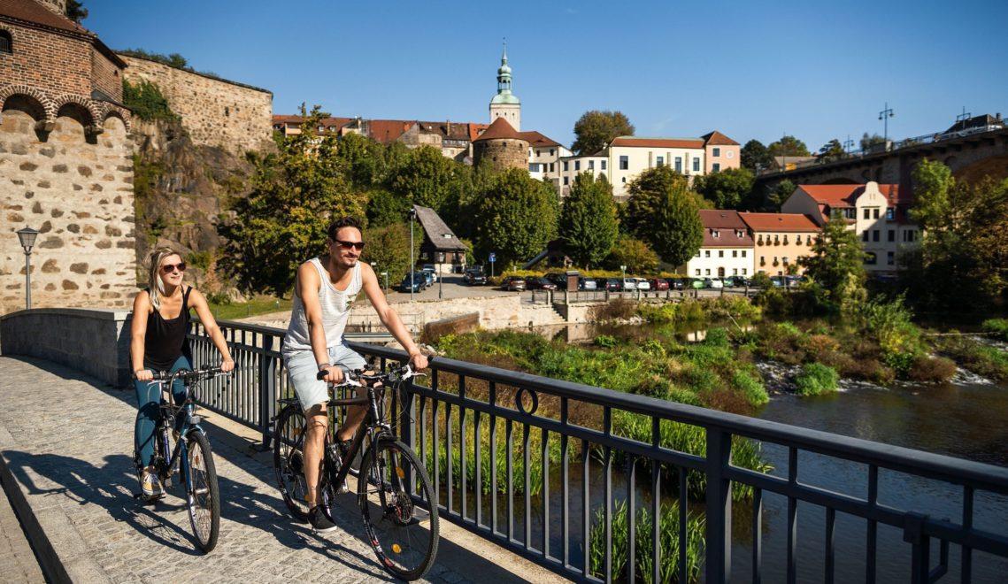 Entlang der Spree liegen viele schöne Städte, die erkundet werden wollen © Tobias Ritz
