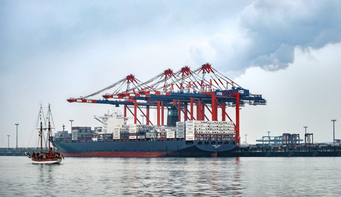 Im JadeWeserPort legen regelmäßig die größten Containerschiffe der Welt an © Rainer Ganske