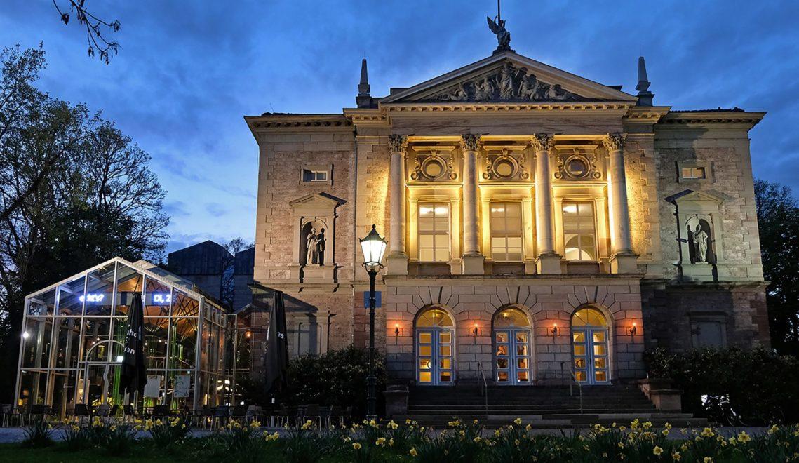Auf drei Bühnen präsentiert das Deutsche Theater klassische und moderne Werke © Christoph Mischke