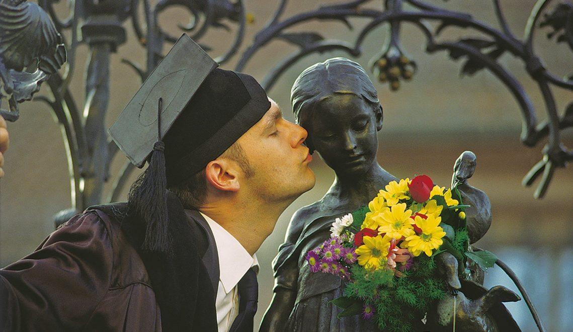Nach der Promotion ein Kuss fürs Liesel © Göttingen Tourismus e.V.