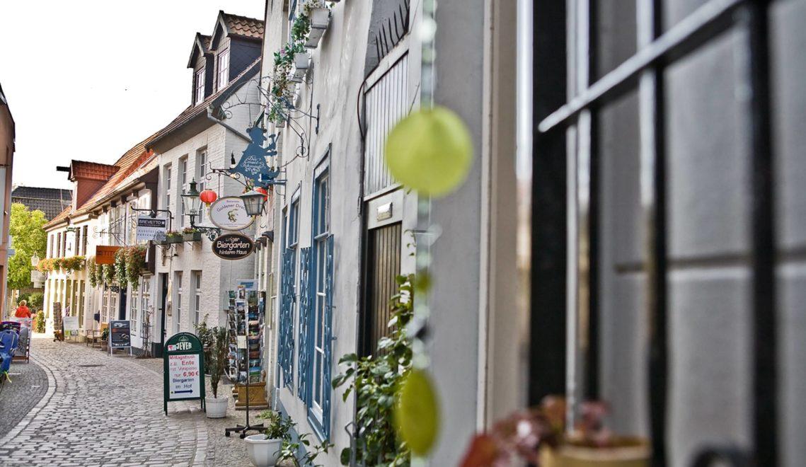 Im Nikolaiviertel entdeckt ihr kleine charmante Geschäfte © Oldenburg Tourismus und Marketing GmbH / Verena Brand