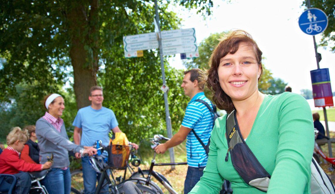 Ob alleine oder in der Gruppe – auf der Vechtetalroute findet jeder Radwanderer sein Tempo