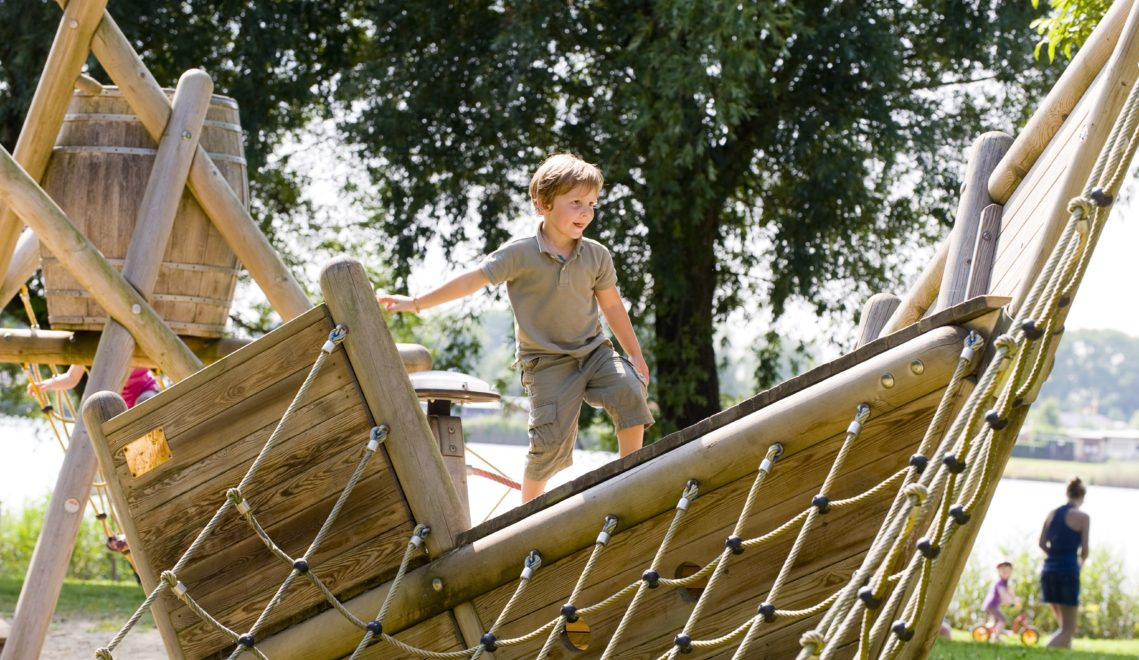 Auf dem Campingplatz gibt es einen großen Abenteuerspielplatz © Otterndorf Marketing GmbH / Bernd Otten