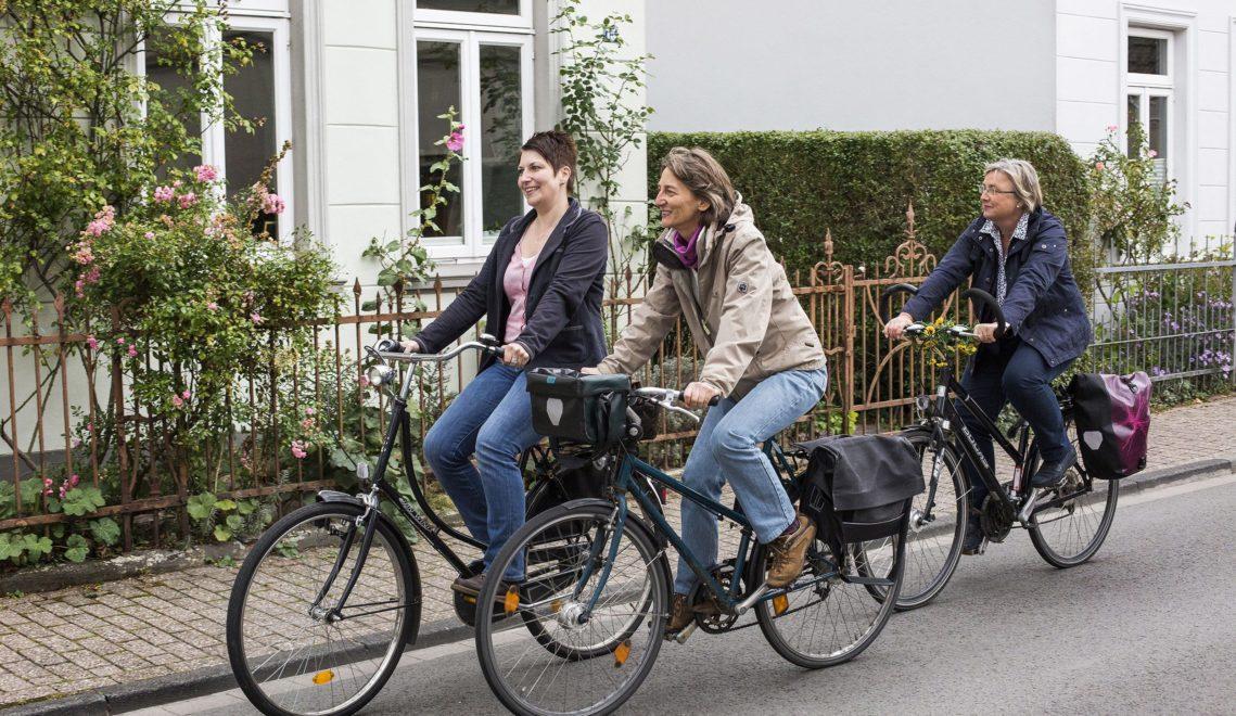 Fortbewegungsmittel der Wahl in Oldenburg: das Fahrrad © Oldenburg Tourismus und Marketing GmbH / Verena Brand