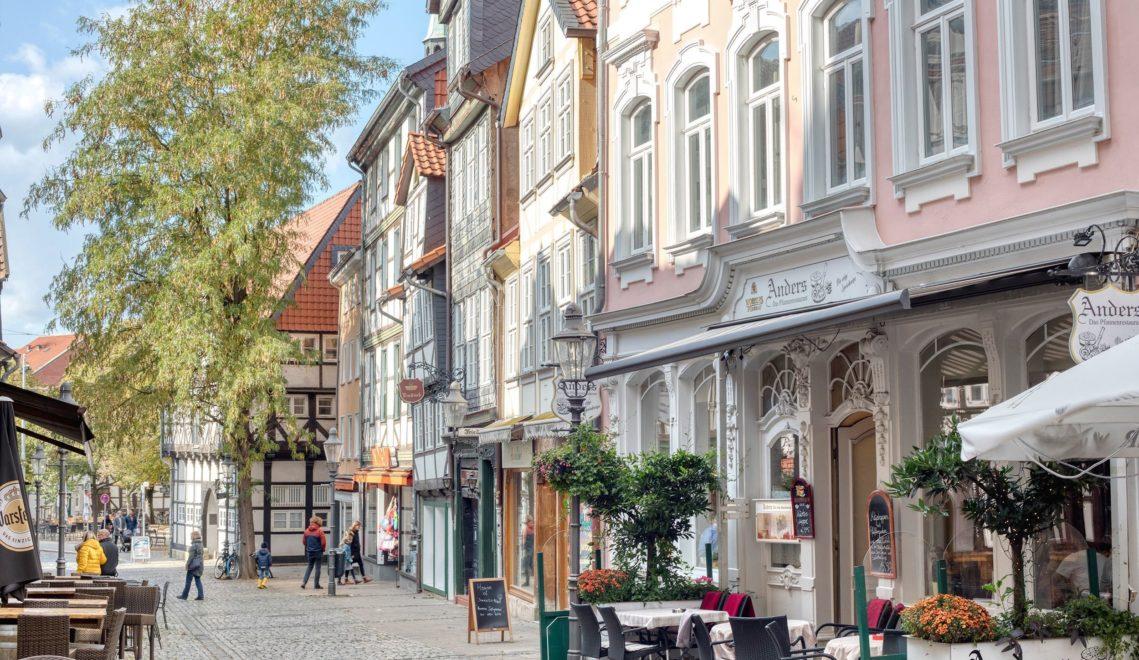Lauschige Sommerabende kann man gut in den zahlreichen Cafés und Restaurants im Magniviertel verbringen © cc-by-nd: Braunschweig