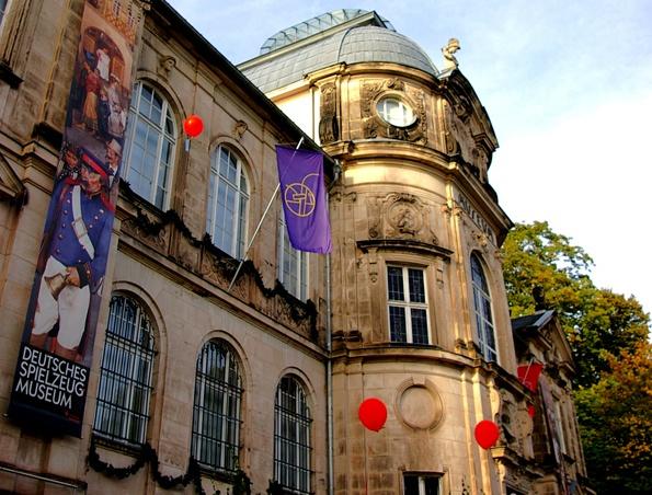 Fassade des Spielzeugmuseums in Sonneberg