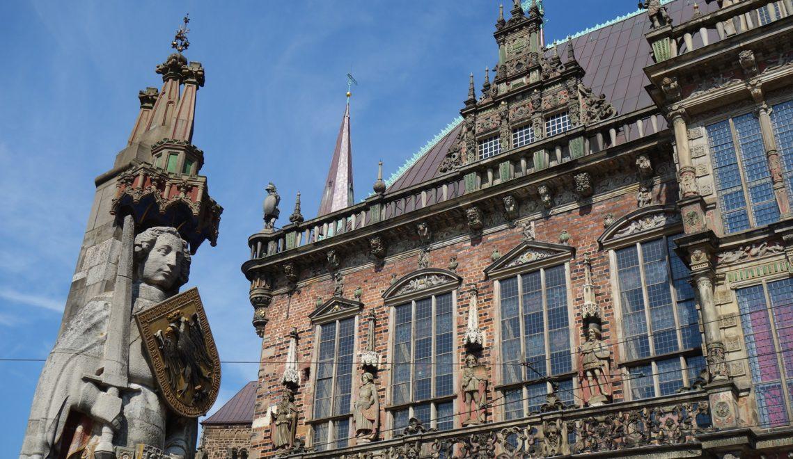 Renaissance-Ensemble von Weltrang: Das Bremer Rathaus und der Roland © WFB/Ingrid Krause