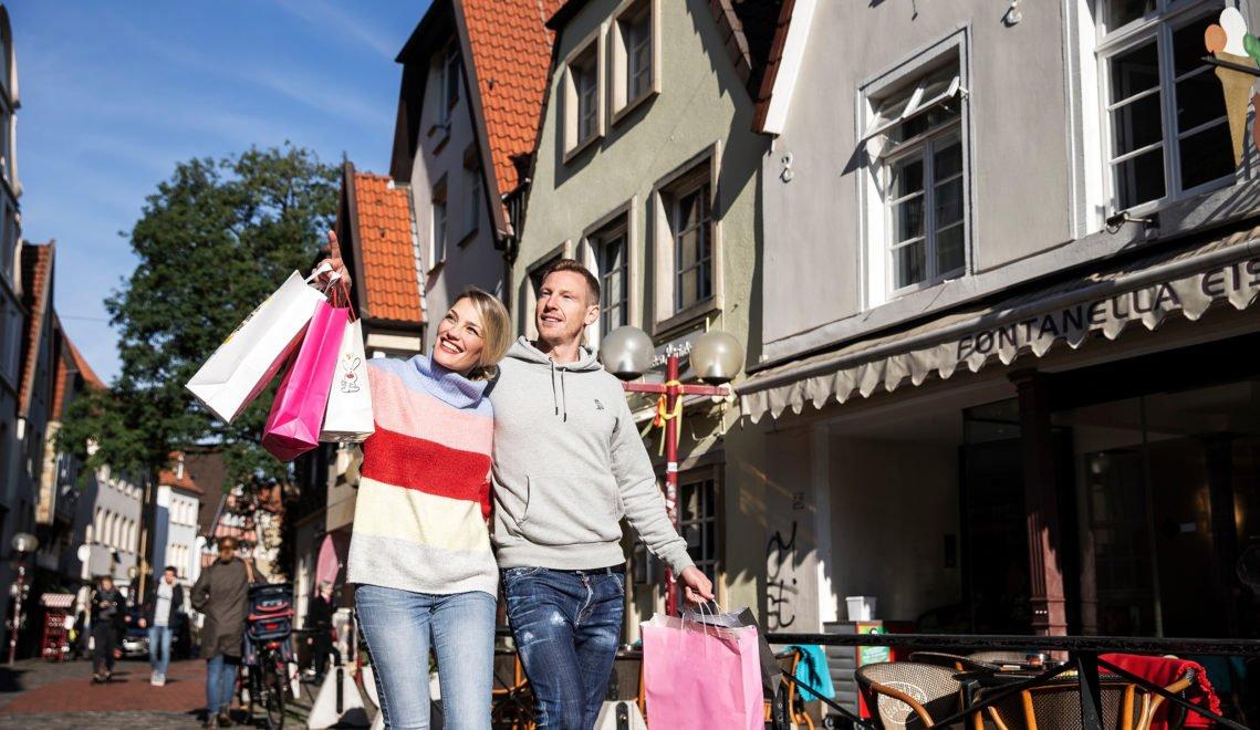 Rund um die Krahnstraße bummelt und schlendert es sich vorbei an zahlreichen Boutiquen und Shops ©Jette Golz