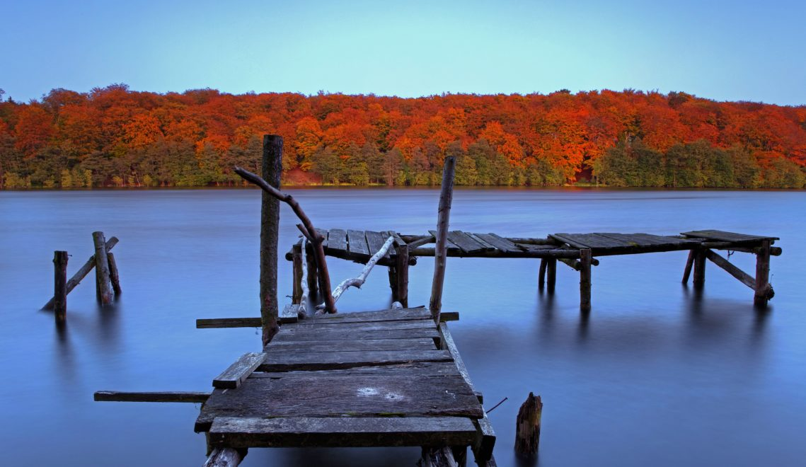 Der Steg am Neumühler See verspricht Ruhe © Timm Allrich