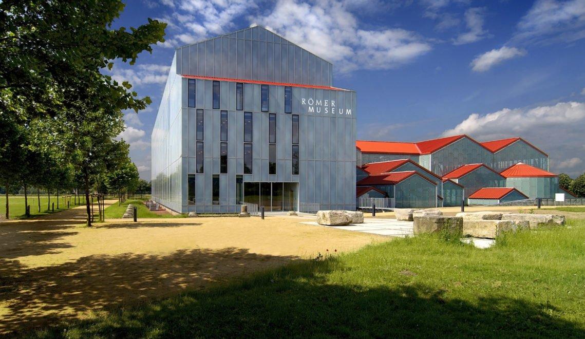 Roemermuseum in Xanten, Außenansicht bei Tag © GPh