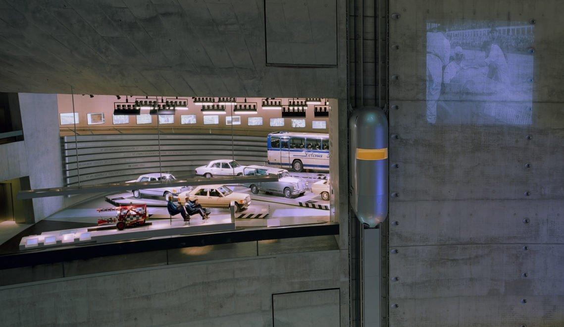 Das Mercedes-Benz MuseumThe Mercedes-Benz Museum_ Innenansicht