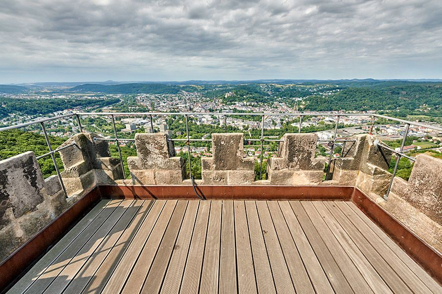 Von der Aussichtsplattform des Turmes habt ihr einen schönen Blick über die Stadt