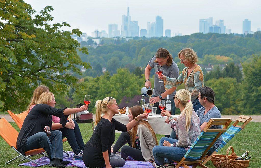 Der Lohrpark gehört zu den beliebtesten Naherholungsgebieten Frankfurts