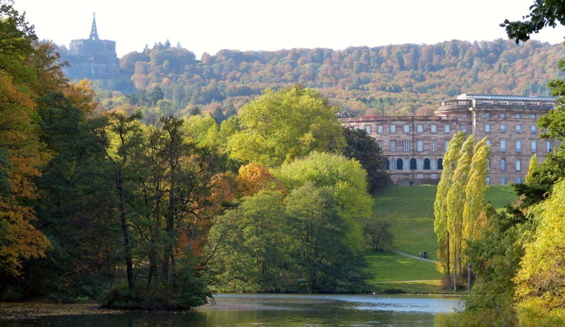 Zwei Wahrzeichen Kassels – die Herkulesstatue und Schloss Wilhelmshöhe