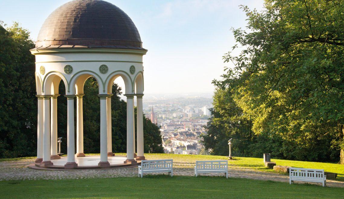 Vom Nerobergtempel hat man einen tollen Blick über die Stadt