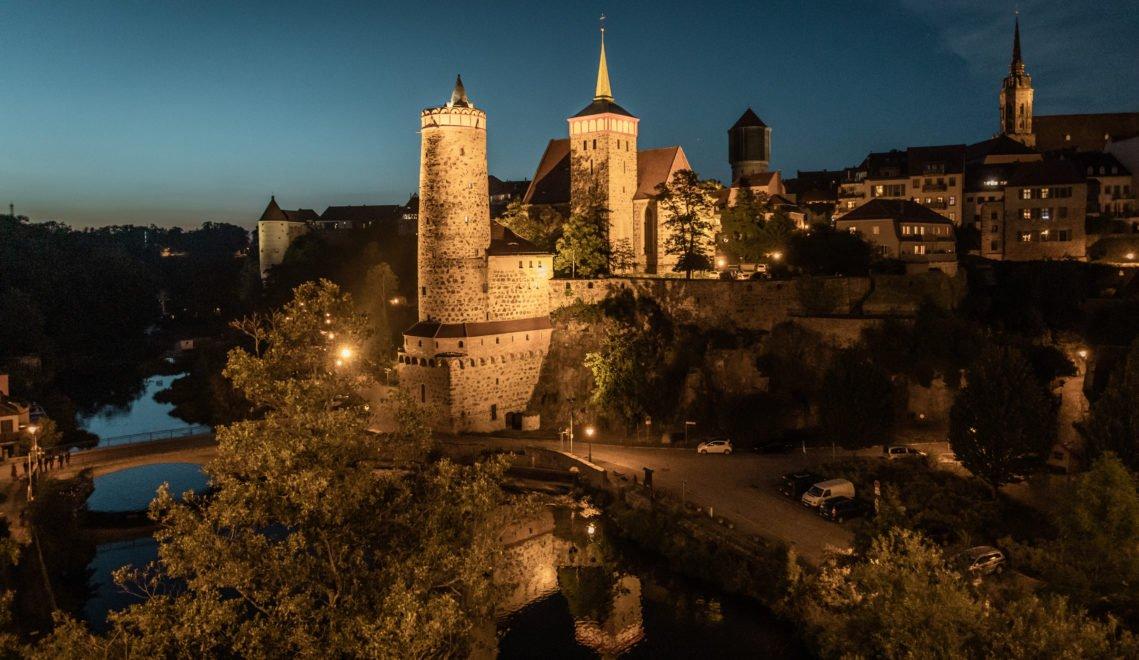 Mittelalterliche Türme und Stadtmauern prägen Bautzen, die historische Hauptstadt der Oberlausitz