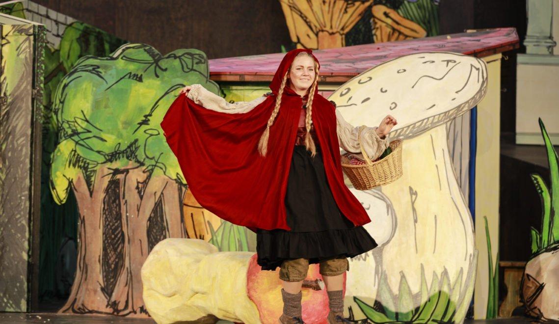 Unverkennbar: Rotkäppchen bei den Brüder Grimm Festspielen in Hanau
