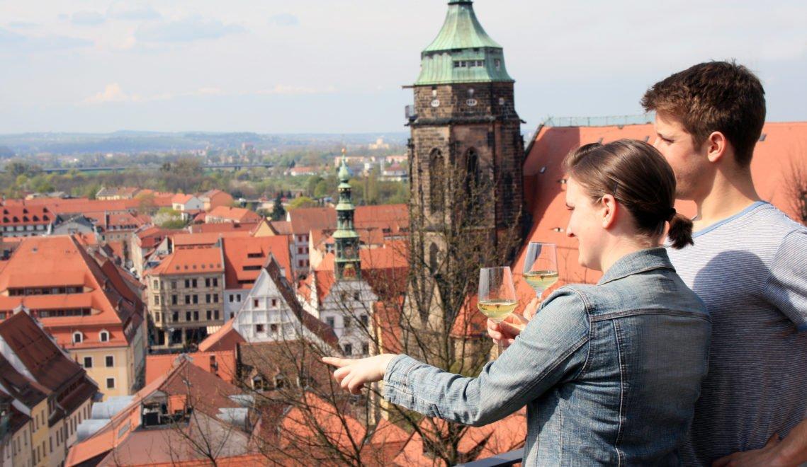 Von Schloss Sonnenstein habt ihr einen schönen Blick auf die Stadt Pirna