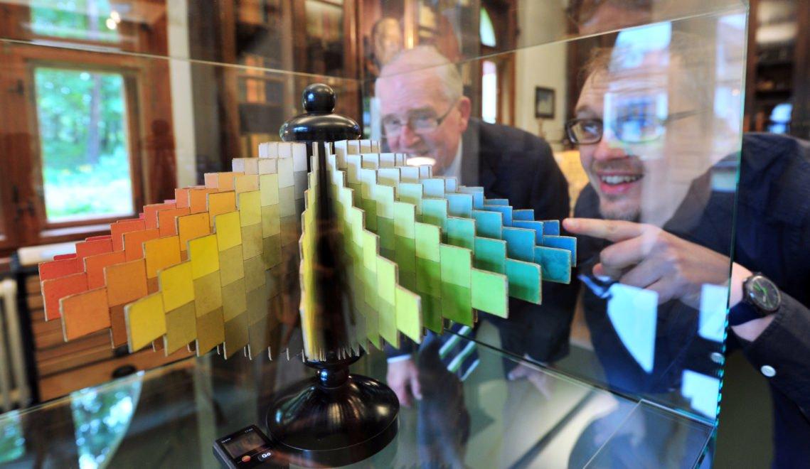 Im Wilhelm Ostwald Museum erfahrt ihr einiges über das Farbsystem des vielseitigen Forschers