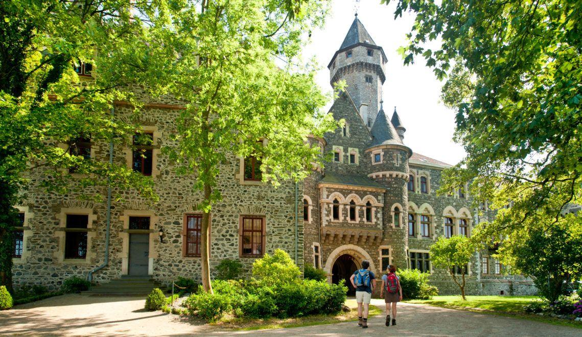 Hoch über dem Lahn-Dill-Kreis ist Schloss Braunfels schon von Weitem ein Hingucker