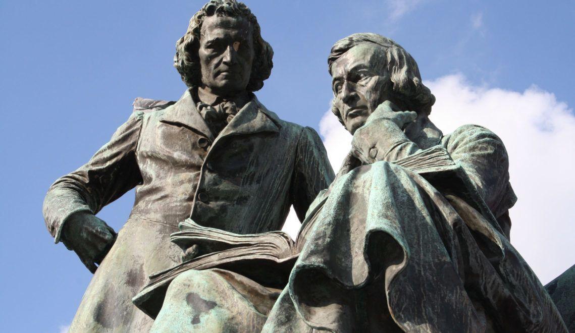 Sie sind das Wahrzeichen Hanaus und ihre Märchen allseits beliebt: die Brüder Grimm
