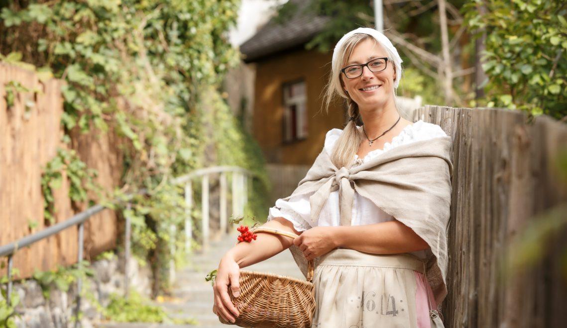 In Schwarzenberg führen euch Stadtkundige in historischen Kostümen durch den Ort